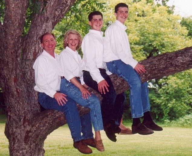 photo print of family